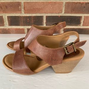 Like new BOC leather chunky heel sandals